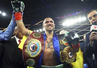 Lomachenko 4th world title-photo by Mikey Williams