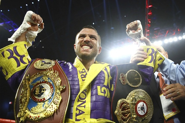 Vasiliy Lomachenko destroys Anthony Crolla,Ramirez batters Karpency