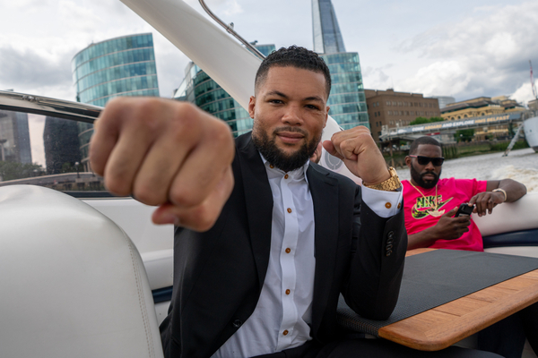 Joe Joyce labours past Bryant Jennings to remain unbeaten at the O2