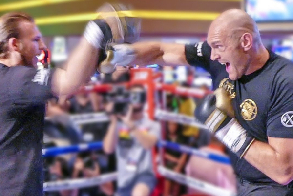 Tyson Fury and trainer Ben Davison hit Las Vegas and get to work on the pads (video)