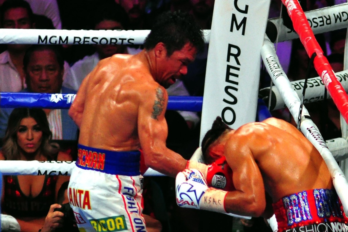 Manny Pacquiao beats Keith Thurman (German Villasenor)