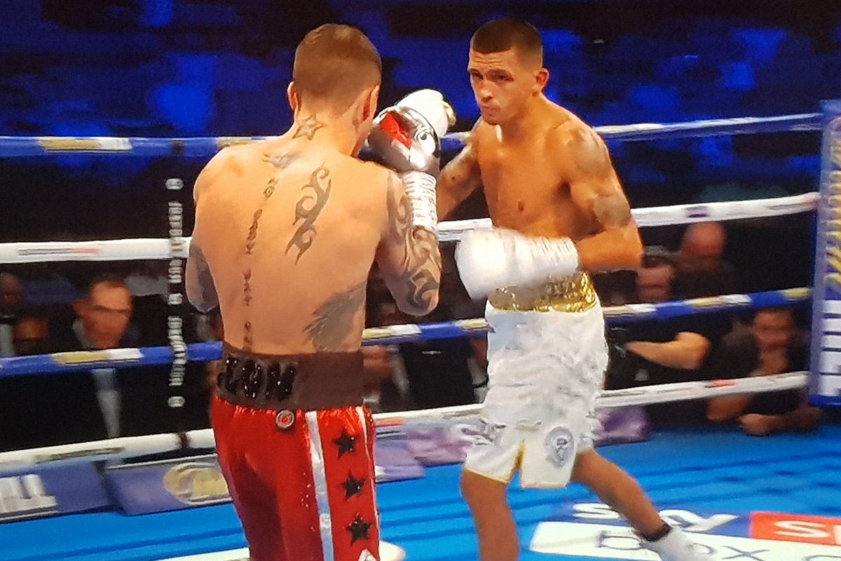 Ricky Burns (left) vs Lee Selby