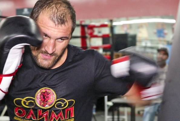 Sergey Kovalev looking sharp in camp for Canelo (video)