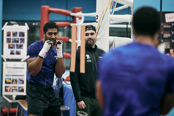 Anthony Joshua working on reactions