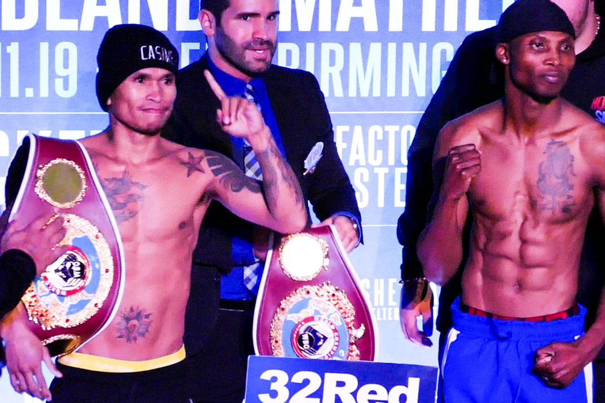 Zolani Tete (right) vs John Riel Casimero