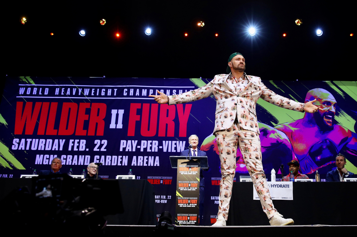 Tyson Fury wows the media before speaking to us (Mikey Williams/Top Rank)