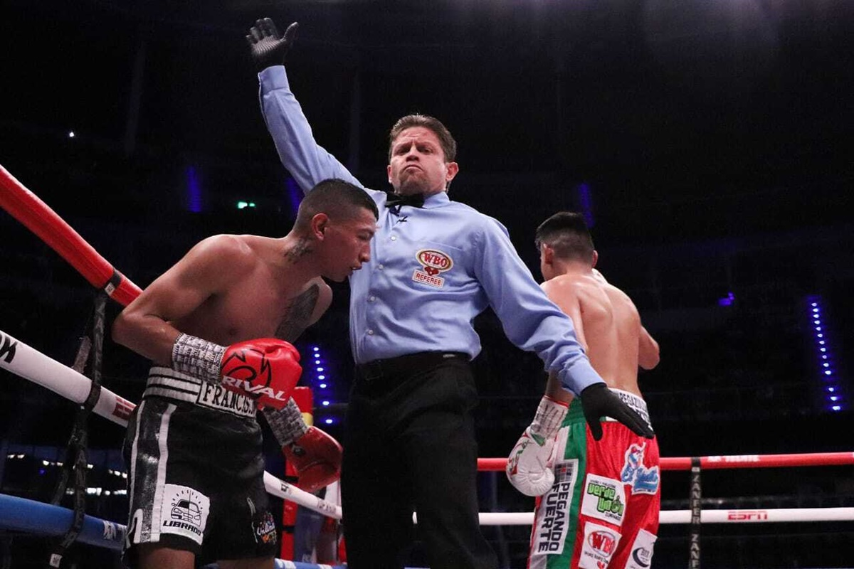 Navarrete wins photo by Zanfer Promotions