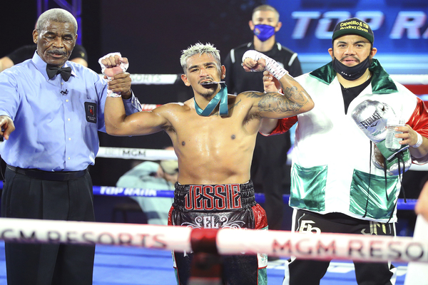 Jessie Magdaleno wins ugly fight over Yenifel Vicente