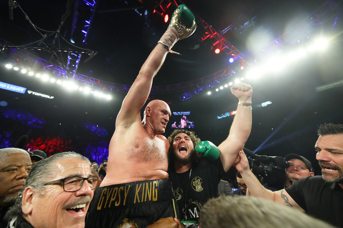 Tyson Fury celebrates stopping Deontay Wilder (Mikey Williams/Top Rank)