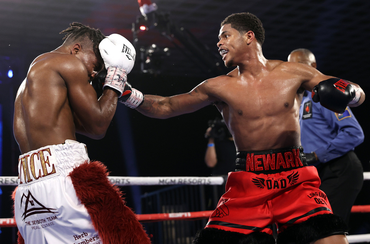 Shakur Stevenson vs Toka Kahn Clary (Mikey Williams/Top Rank)