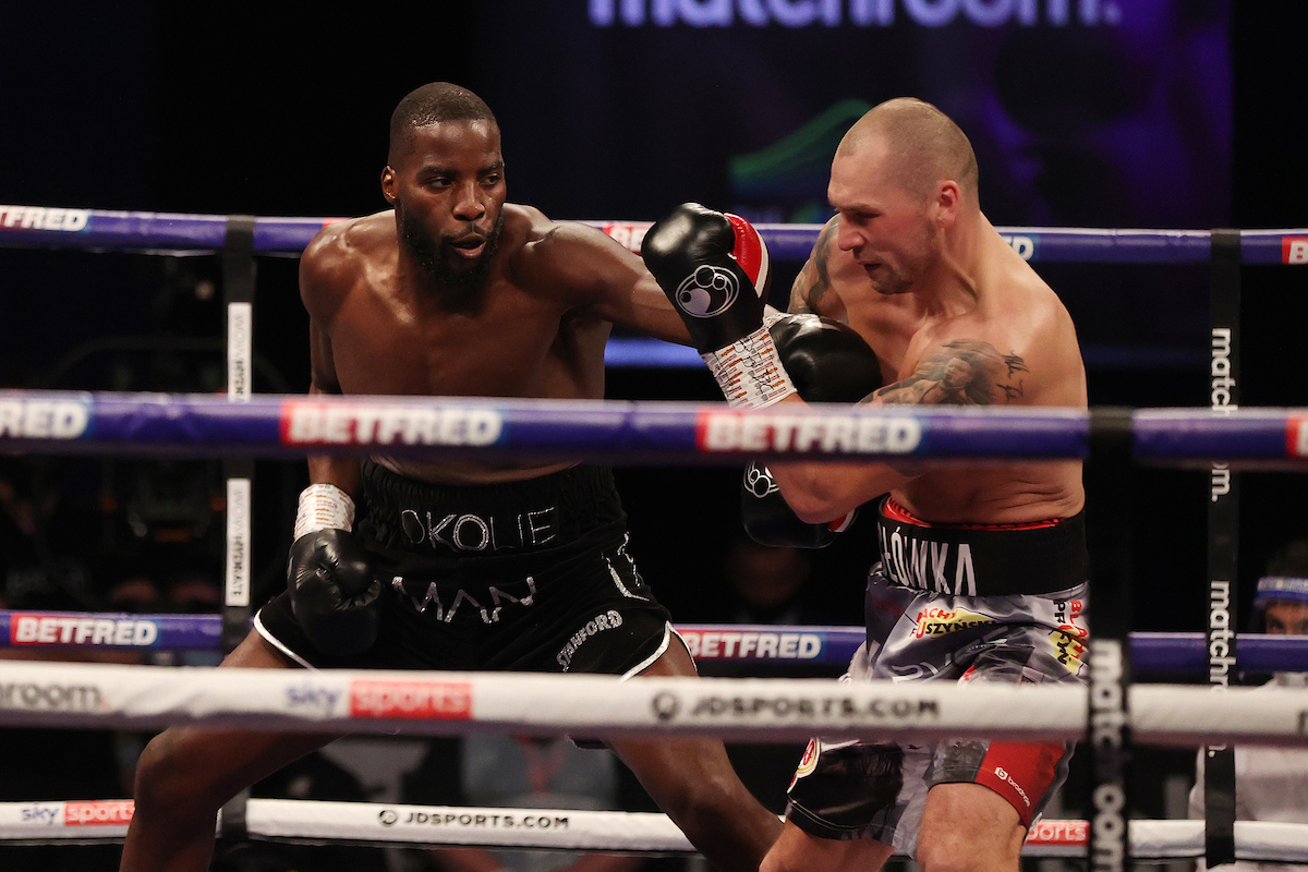 Lawrence Okolie vs Krzysztof Glowacki action (Mark Robinson/Matchroom)