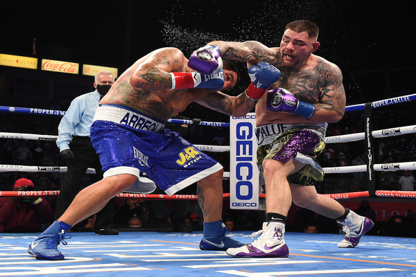 Down in round two, former heavyweight champion Andy Ruiz gets up and defeats Chris Arreola